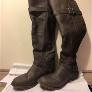 Gray boots size 8